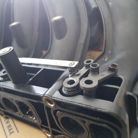 Mercedes szívósori geometria szabályzó mechanika javítása